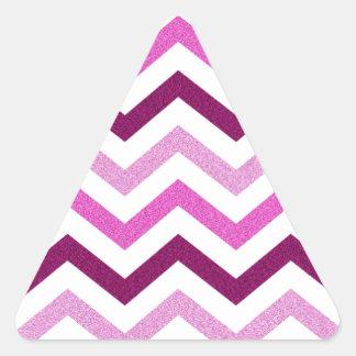 Chevron rosado reluciente pegatina triangular