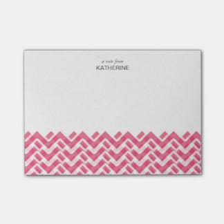 Chevron tejido del rosa y blanco con nombre nota post-it®