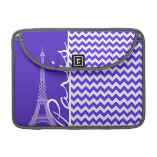 Chevron violeta azul; Torre Eiffel Fundas Macbook Pro