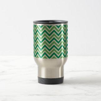 Chevrons green zigzag retro pattern, gift travel mug