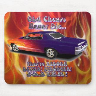 Chevys viejo nunca muere alfombrilla de raton
