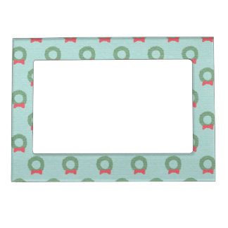 Chic Christmas Wreath Pattern Magnetic Picture Frame