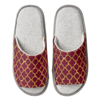 Chic Gold Glitter Quatrefoil Girly Red Burgundy Pair Of Open Toe Slippers