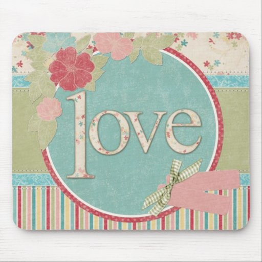 """Chic """"Love"""" Mouse Pad"""
