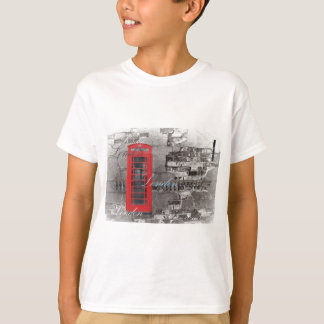 Chic scripts London Landmark Red Telephone Booth T-Shirt