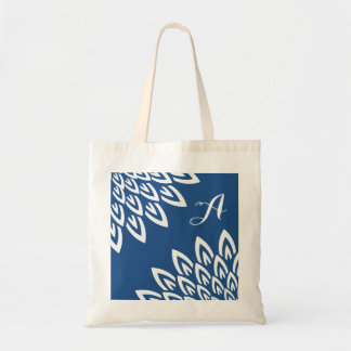 CHIC TOTE_MODERN WHITE FLORAL ON CLASSIC BLUE TOTE BAG