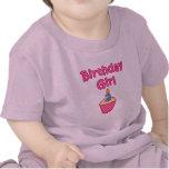 Chica 2 del cumpleaños de la magdalena camisetas