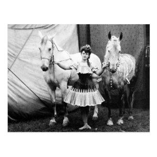 Chica a pelo: 1904 tarjetas postales