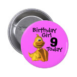 Chica amarillo 9 del cumpleaños del pato pins