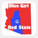 Chica azul en un estado rojo - Arizona Colcomanias Cuadradas Personalizadas
