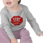 Chica con actitud camiseta