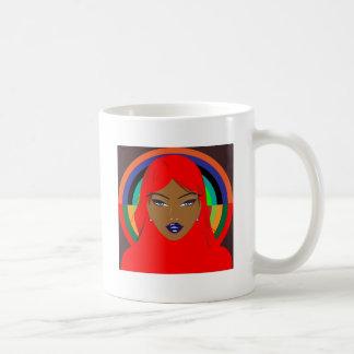 chica con actitud taza de café
