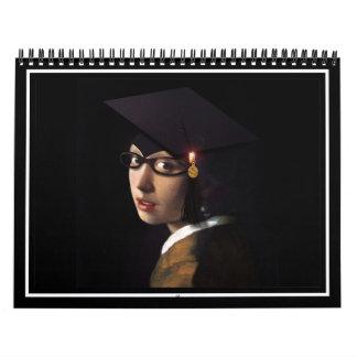 Chica con el gorra de la graduación (pendiente de calendarios de pared