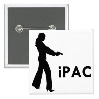 Chica con el iPac del arma Pin