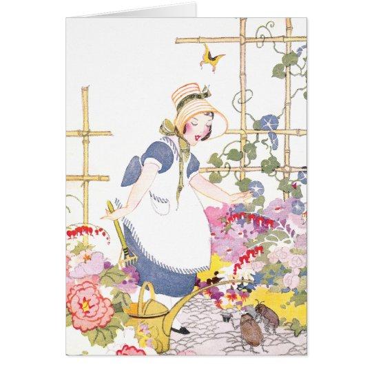 Chica con el rastrillo y la regadera en jardín de  tarjeta de felicitación
