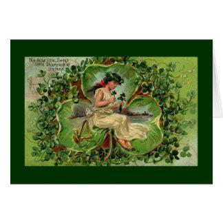 Chica con la arpa y los tréboles tarjeta de felicitación