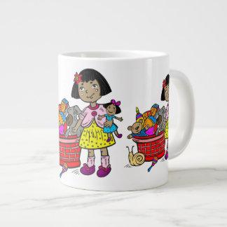 Chica con la cesta de juguetes tazas jumbo