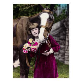Chica con las flores postal