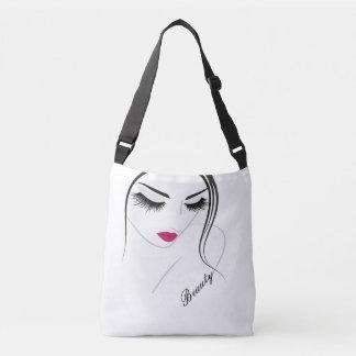 Chica con las pestañas y los labios - la bolsa