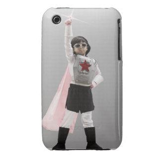 Chica coreano en traje del super héroe con el Case-Mate iPhone 3 cobertura