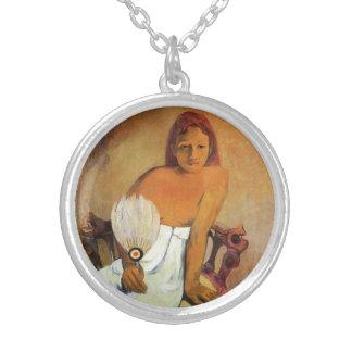 Chica de Gauguin con un collar de la fan