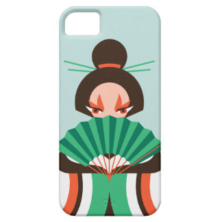 Chica de geisha japonés que lleva a cabo un caso iPhone 5 cárcasa