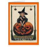 Chica de Halloween del vintage en la tarjeta o'Lan