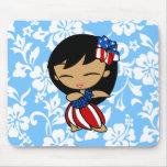 Chica de Hula patriótico de las mieles de la hawai Tapetes De Ratones