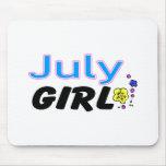 Chica de julio tapete de raton
