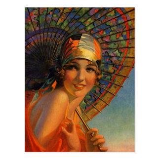 Chica de la aleta de la mandarina del vestido y po postal