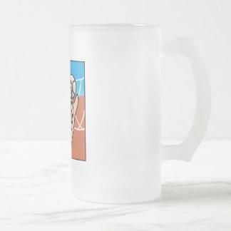 Chica de la bola del voleo taza de café