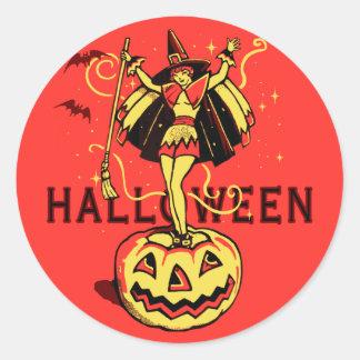 Chica de la bruja de Halloween (vintage) Pegatina Redonda