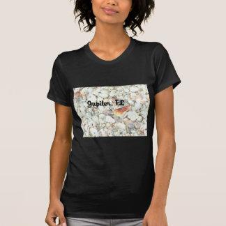 Chica de la camisa de la juventud de los Seashells