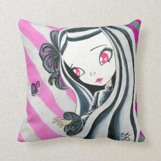 Chica de la cebra y rayas rosadas almohadas