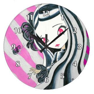 Chica de la cebra y rayas rosadas reloj redondo grande