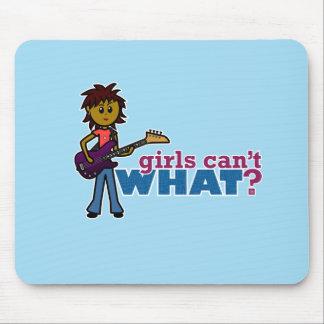 Chica de la guitarra baja alfombrillas de ratón