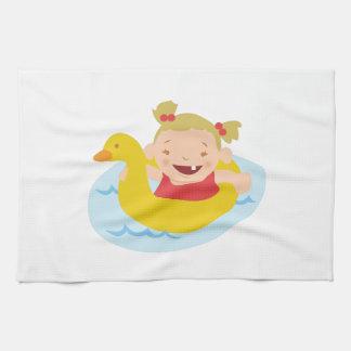 Chica de la natación toallas