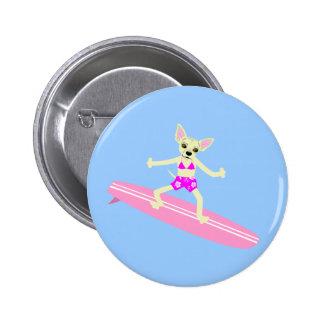 Chica de la persona que practica surf de Longboard Pin Redondo 5 Cm