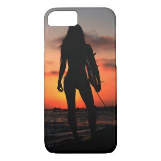 Chica de la persona que practica surf funda iPhone 7