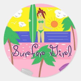 Chica de la persona que practica surf pegatina redonda