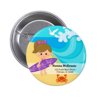 chica de la persona que practica surf pin redondo 5 cm