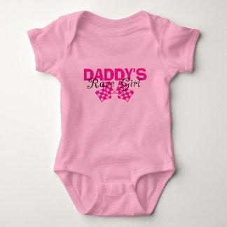 Chica de la raza del papá body para bebé