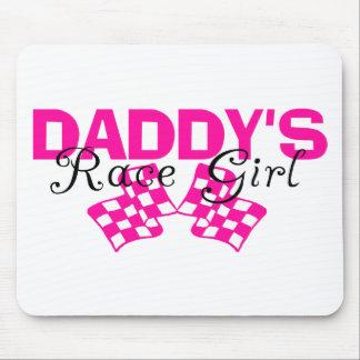 Chica de la raza del papá tapete de raton