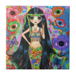 Chica de la sirena del Hippie con las flores y las Teja