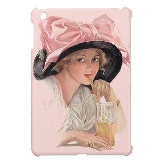 Chica de la soda que sorbe en gorra iPad mini carcasa