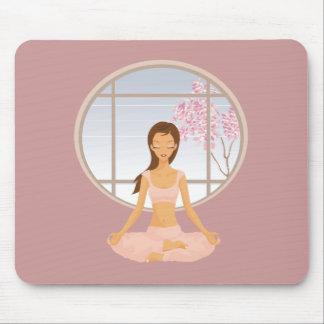 chica de la yoga alfombrillas de raton