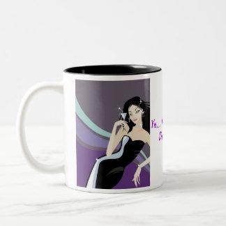 chica de lujo púrpura con el vidrio de martini taza dos tonos