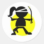 Chica de Ninja Etiquetas Redondas