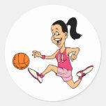 Chica del baloncesto etiqueta redonda