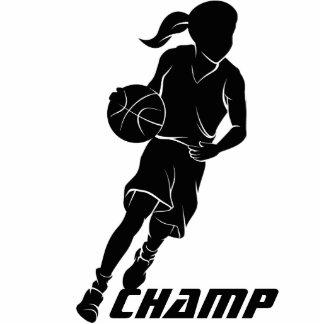 Chica del baloncesto que gotea fotoescultura vertical